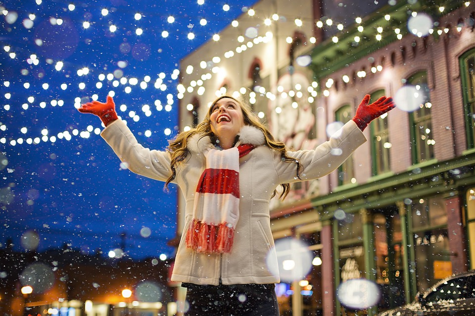 Christmas is coming in this unconvincing stock photo